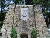 Mönichwald, Kriegerdenkmal beim Soldatenfriedhof